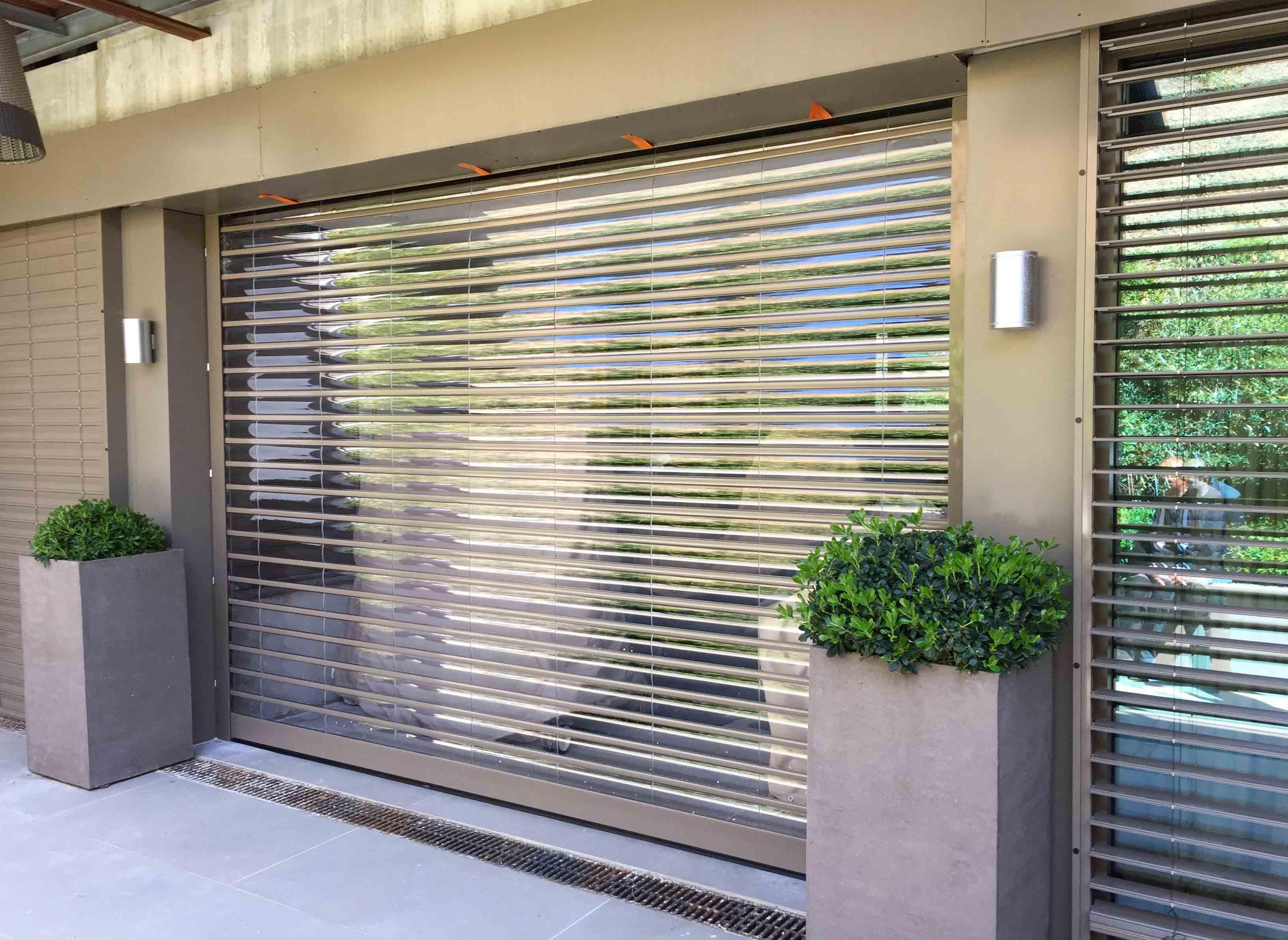Volet roulant garage transparent – Servitec